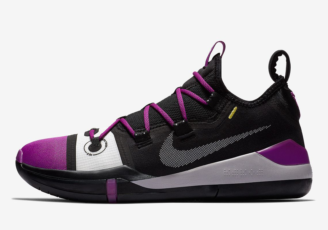 pictures of kobe bryant tennis shoes