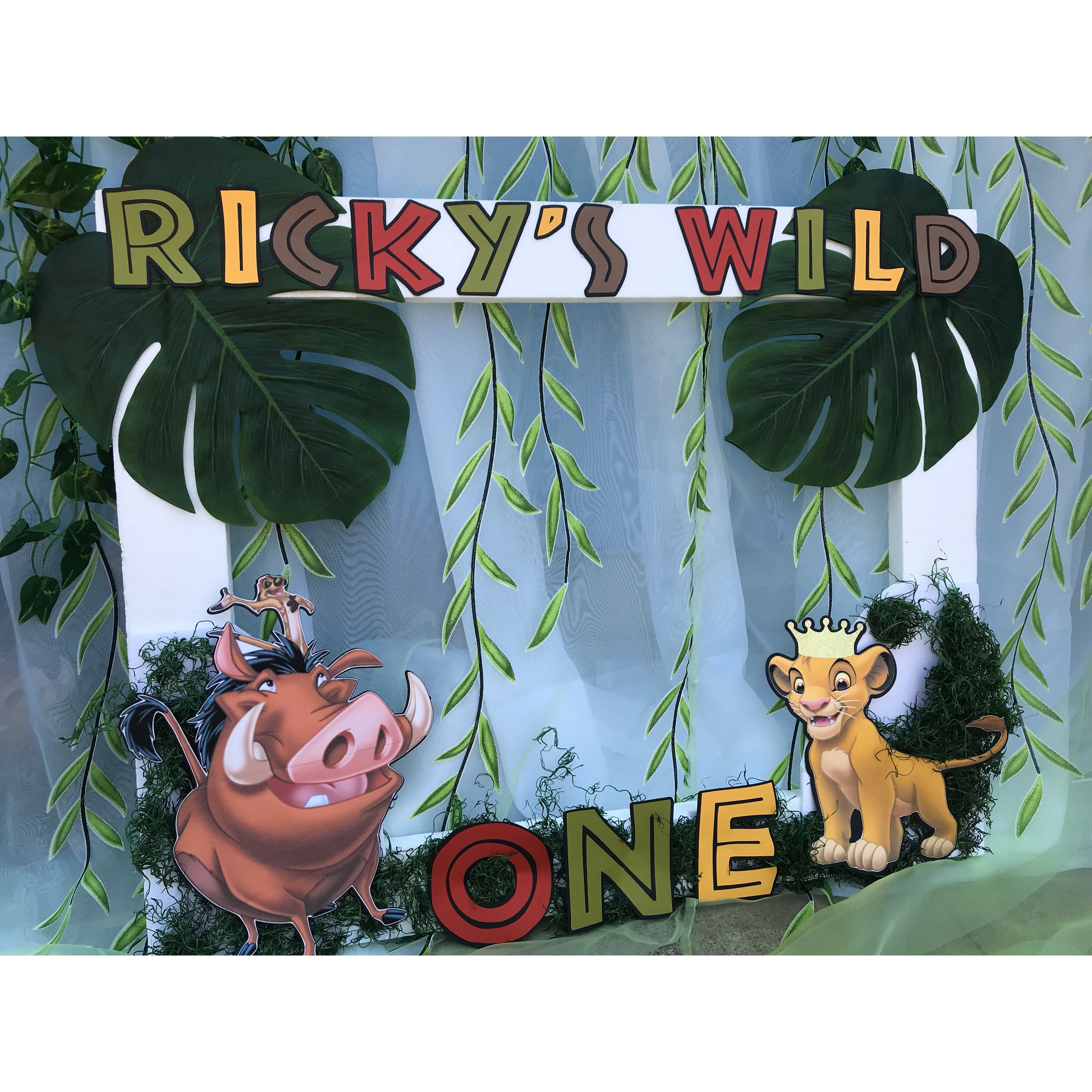 lion king photo booth frame